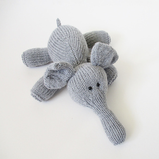 Hippo_and_elephant_img_8827_small2