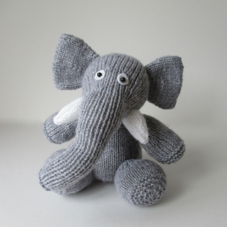 Bloomsbury_elephant_img_2064_small2