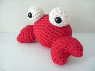 Amigurumi Ovalo : Ravelry: Amigurumi Tipper the Tiny Crab pattern by Stacey ...
