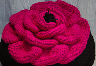 Hot_pink_rose_pillow_small2