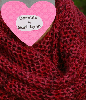Dorable_with_heart_label_close_up_of_wrapped_around_neck_small2