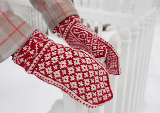 Snowghostmittens_small2