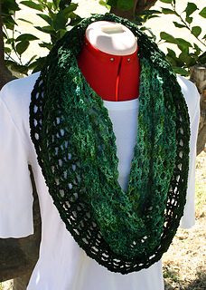 Laurel_wreath_cowl_1_small2