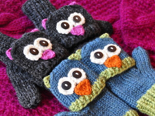 Knitted_animal_mittens_small2