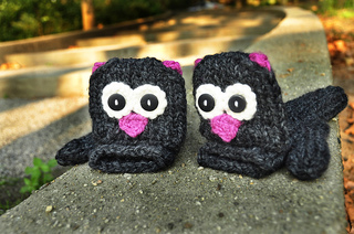 Grey_knitted_cat_mittens_small2