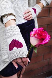 Be_my_valentine_fingerless_gloves_knitting_pattern_i_heart_you_5_small2