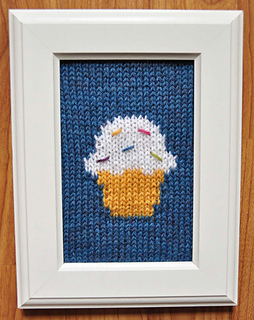 Sweet_treats_knitted_wall_art_blue_cupcake_small2