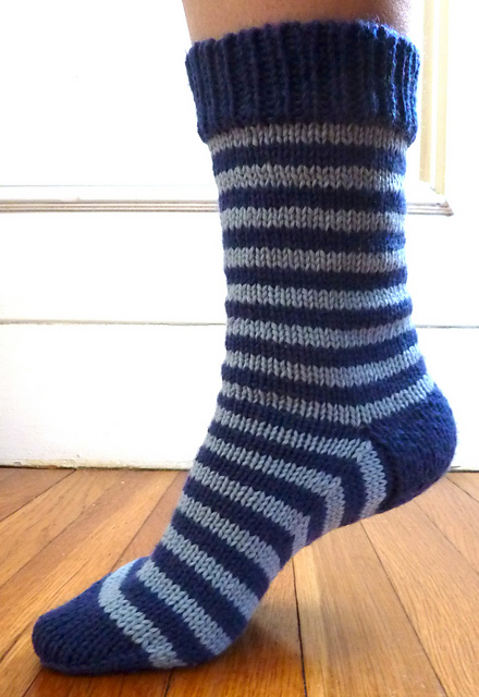 Simple Sock Knitting Patterns Beginner : Easy Beginner Knit Sock Pattern