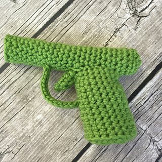 Greencrochetgun_small2