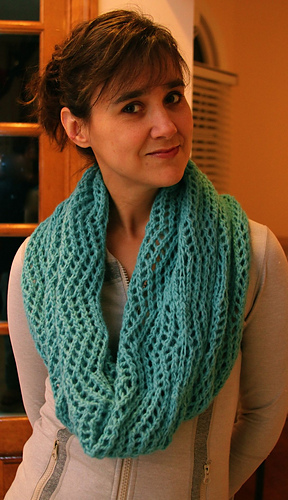Blue_cowl2_medium