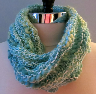 Ravelry: Bamboo Bloom Infinity Scarf / Cowl pattern by Grace Rose