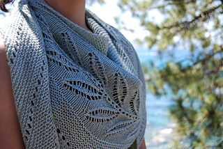 Knitting Pattern For A Small Leaf : Ravelry: Silverleaf pattern by Lisa Hannes