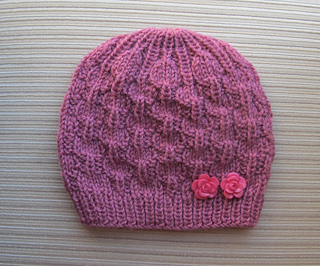 Antique_rose_hat_for_a_lady_small2