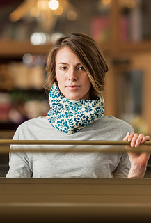 Endless_rose_cowl_wall_small2