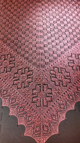 Morning_star_shawl_032_medium