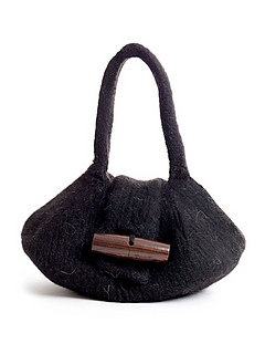 Felted_handbag_toggle_knitting_pattern_small2