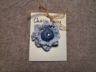 Blue_brooch_small2