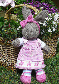 Bunnypatternbydebibirkindesigns_small2