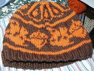 Knittergoddss_squirrel_hat_small2
