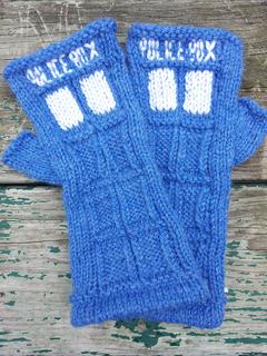 Tardis_fingerless_gloves_small2