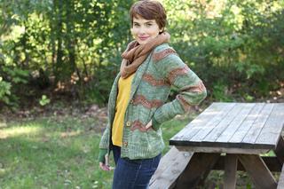 Devon_cardigan_knitting_pattern_karin_kemper_holla_knits_wooly_wonka_fibers_brigit12_small2