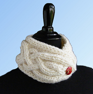 Rivperport_cowl_with_button_blue_gradient_bkgrd_3-300c_small2