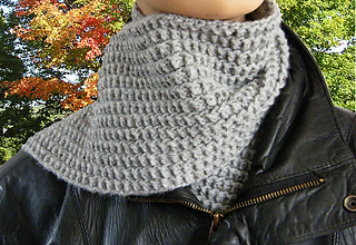 Cobblestones_and_rails_scarf_cover1_small2