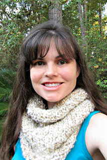 Chunky_cowl_in_pearl_4x6_small2