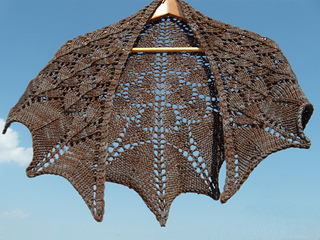 Dragon-scale-shawl-hanging-20140727-withwatermark_small2