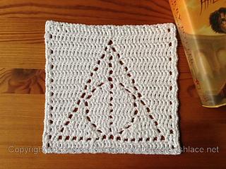 Deathly-hallows-crochet_small2