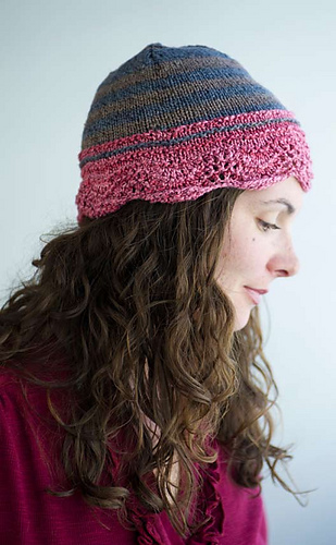 Scallopedfeatherfanhat_medium