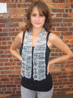 F129_openwork_scarf_small2