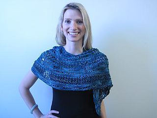 Knitcrochetshawl1_small2