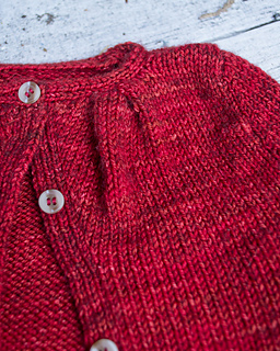 015_pleated-yoke-baby-sweater06_small2