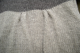 Baby-sweater-dress-pleat-detail_small2