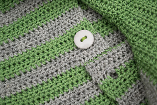 Striped-crochet-raglan-hoodie_06_small2