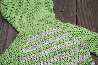 Striped-crochet-raglan-hoodie_04_small2