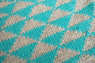 Geometric-knitting-pattern_small2