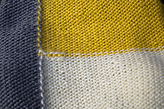 Color-block-baby-sweater_09_small2