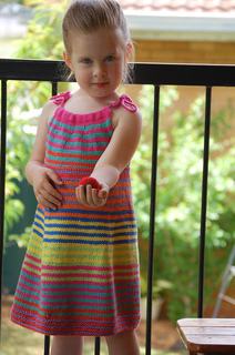 Summer_happy_fun_dress_207_small2