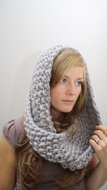 Serenity Knits: Marian Cowl - Quick, Inexpensive & Really Nice