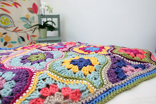 Mystical_lantersn_blanket-2-800_small2
