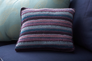 Stripedpillowb_small2