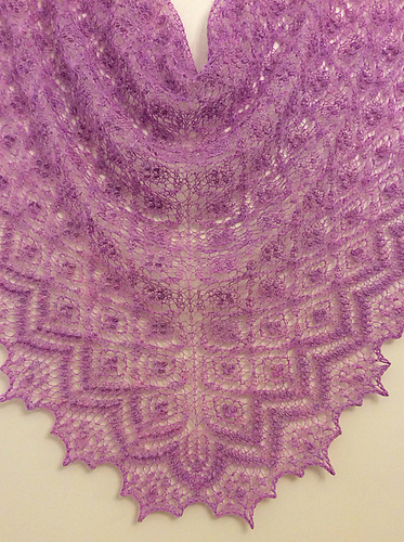 Birds Nest Shawl (picture taken direct from Ravelry)