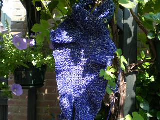 Leafy_blue_scarf_small2