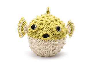Full_109762_2f2015-07-06-124708-11-gmc-knitted-sea-creatures-pufferfish-1_c_small2