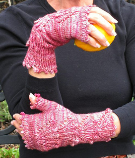 Dogwood_mitts_with_lemon_resized_small2
