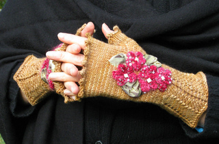 Handwork_mitts_1_small2