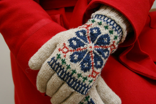Elegantcoatgloves_photo3_small2