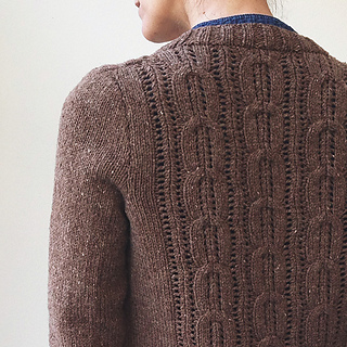 Acer_cardigan_finished_back_detail_small2